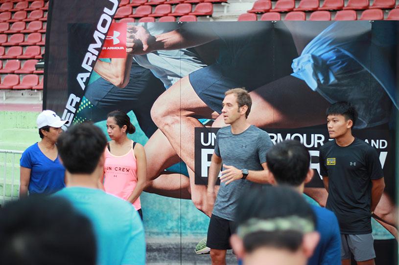กิจกรรม UA RUN CREW คัดเลือก 4 นักวิ่งไทย ไปร่วมงานวิ่ง Standard Chartered Marathon วันที่ 3 ธันวาคม 2560 ประเทศสิงคโปร์ ภายใต้การสนับสนุนจาก Under Armour ตลอดทริป