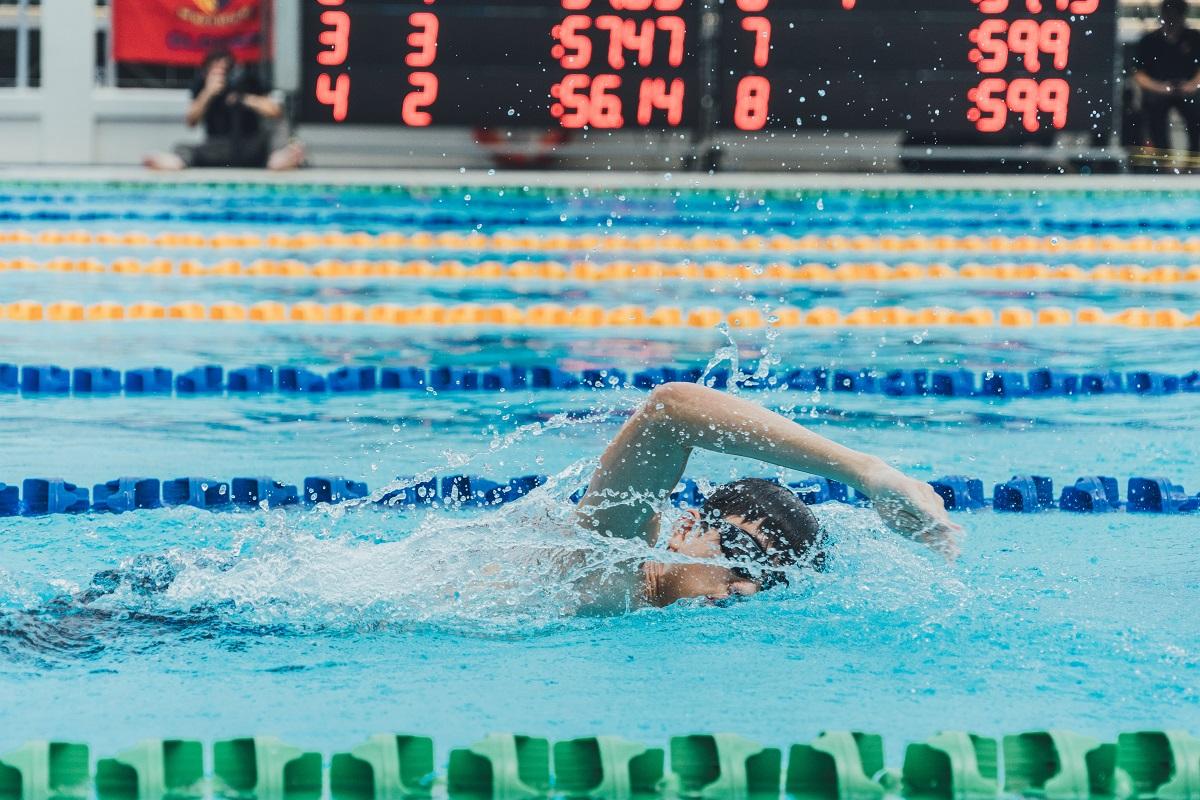การว่ายน้ำเป็นการออกกำลังกายประเภท Cardio อย่างหนึ่งที่ทำให้กล้ามเนื้อทุกส่วนได้ใช้งานในคราวเดียวกันและช่วยเพิ่มระดับความอึด (Endurance) ด้วย
