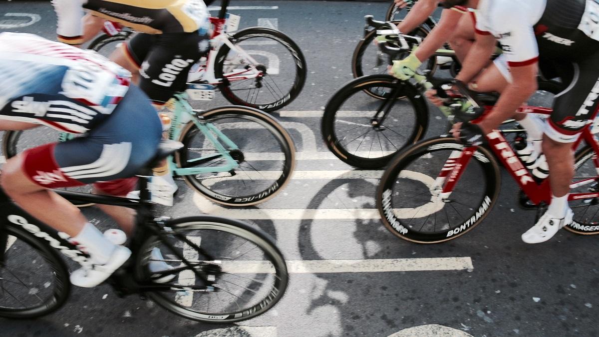 อุปกรณ์เพื่อความปลอดภัย ปั่นจักรยาน