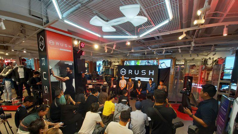 UA RUSH เสื้อผ้ากีฬาที่ผลิตด้วยเทคโนโลยีและนวัตกรรมใหม่จาก Under Armour เพื่อให้นักกีฬาสวมใส่ออกกำลังกายได้ดีและมีประสิทธิภาพมากขึ้น (Make Athletes Better)