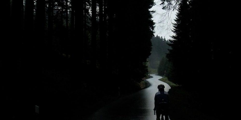ฝนตกก็หยุดเราไม่ได้กับ 5 ทิปง่ายๆ ปั่นรับสายฝน