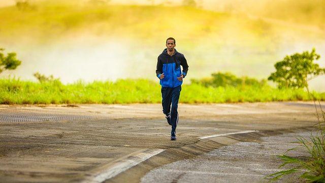 ทำไมนักวิ่งเทรลควรลงแข่งและฝึกวิ่งทางเรียบบ้าง